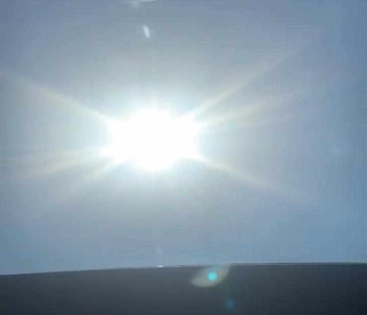 詹姆斯拍摄太阳缅怀科比:我看到你了,曼巴