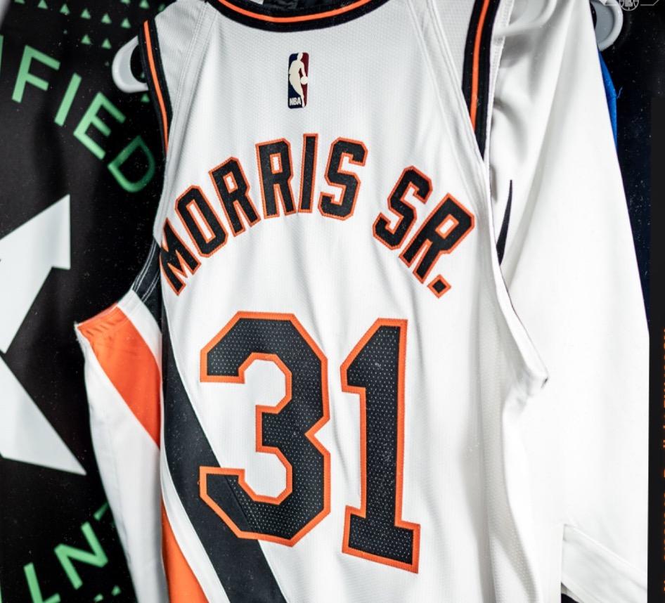 马库斯-莫里斯将改穿31号球衣,今日比赛将完成球队首秀