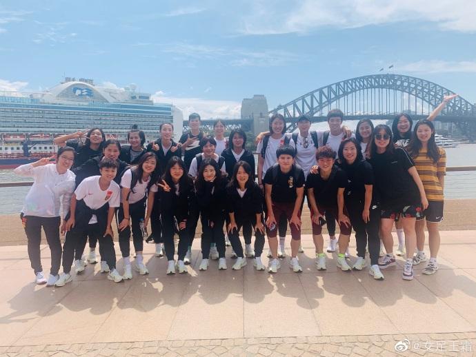 中国女足1-1憾平附加赛对阵韩国,王霜:为你们感到骄傲