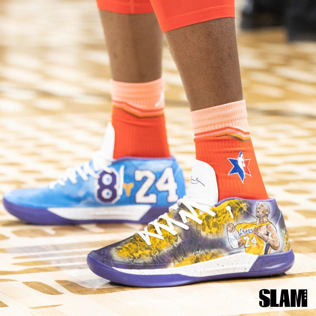 阿德巴约今日战靴上印有科比画像以及8和24号等元素
