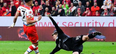 德甲:奎森射门中横梁,美因茨0-0沙尔克