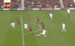 GIF:巴舒亚伊打进扳平球,但因越位在先被取消
