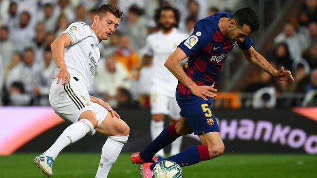 半场:阿图尔梅西单刀被扑,巴萨客场0-0皇马