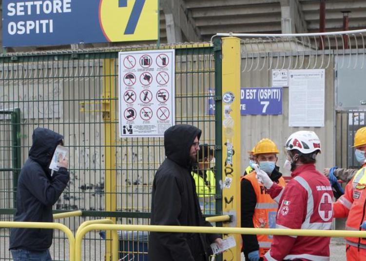 西班牙卫生部:周末部分西甲场次可能因疫情空场进行