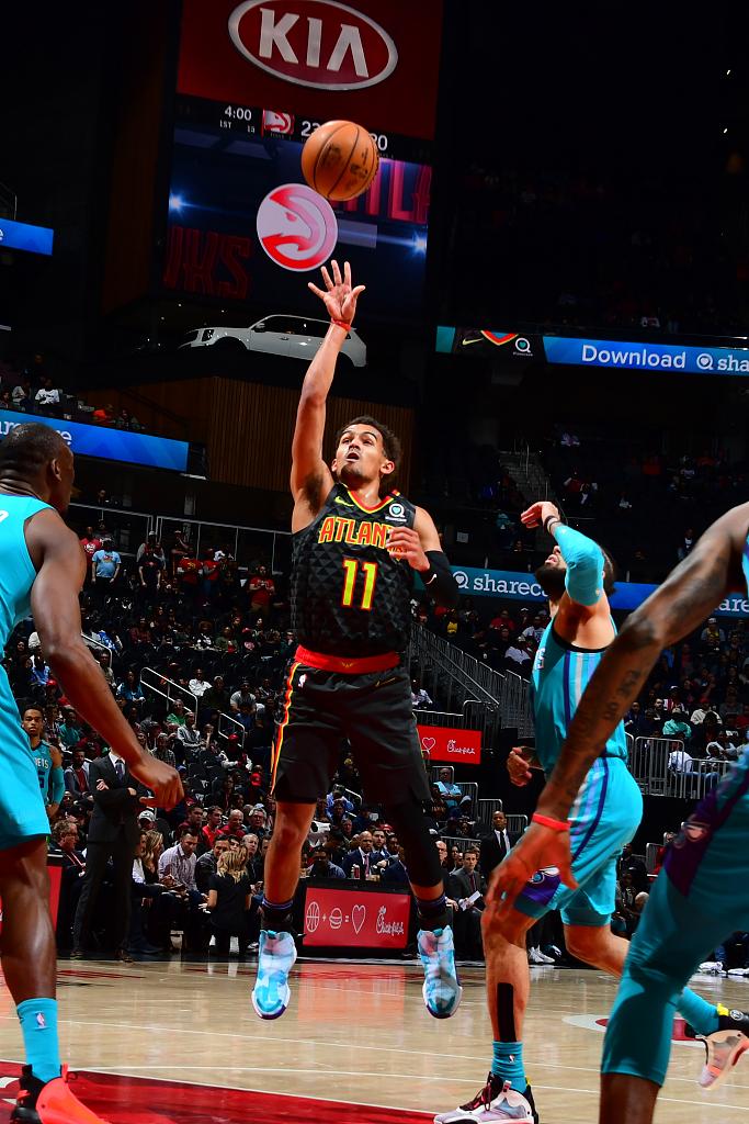 大号两双!特雷-杨全场得到31分4篮板16助攻