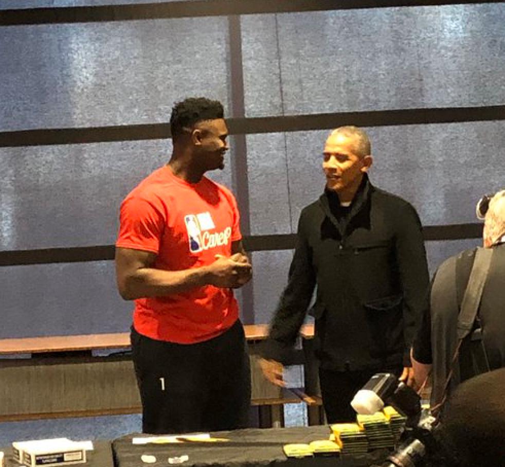奥巴马发推致敬威廉森格里芬等捐款支持主场员工的球员