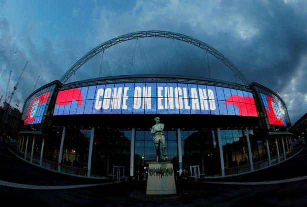镜报:欧足联今日开会决定推迟欧洲杯1年,并取消欧国联