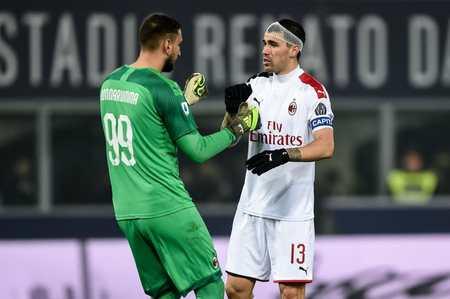 米体:如果罗马尼奥利想留米兰,他就需要接受降薪