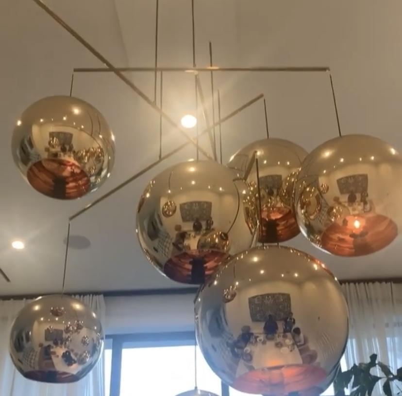文艺摄影!詹姆斯利用灯具反光拍摄全家聚餐:惬意周日