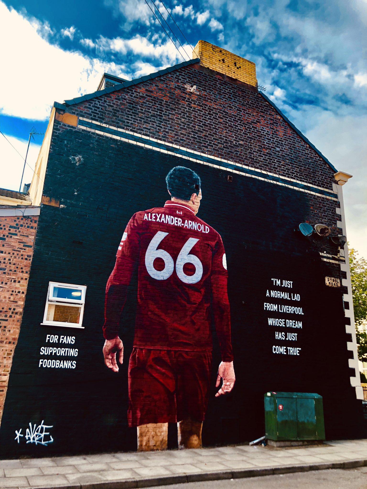 阿诺德专访:除了利物浦最欣赏巴萨,梦想终老红军