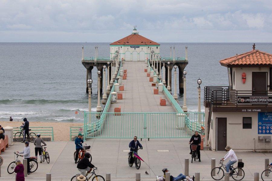 因上周末洛杉矶县海滩的人群,当地政府关闭海滩停车场