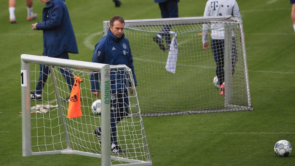 踢球者:拜仁在研究,是否可能从下周起进行分小组训练