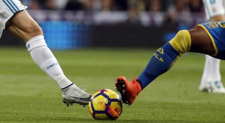 """专家:疫情或给足球新机缘,欧洲足球也可接纳""""人为帽"""""""