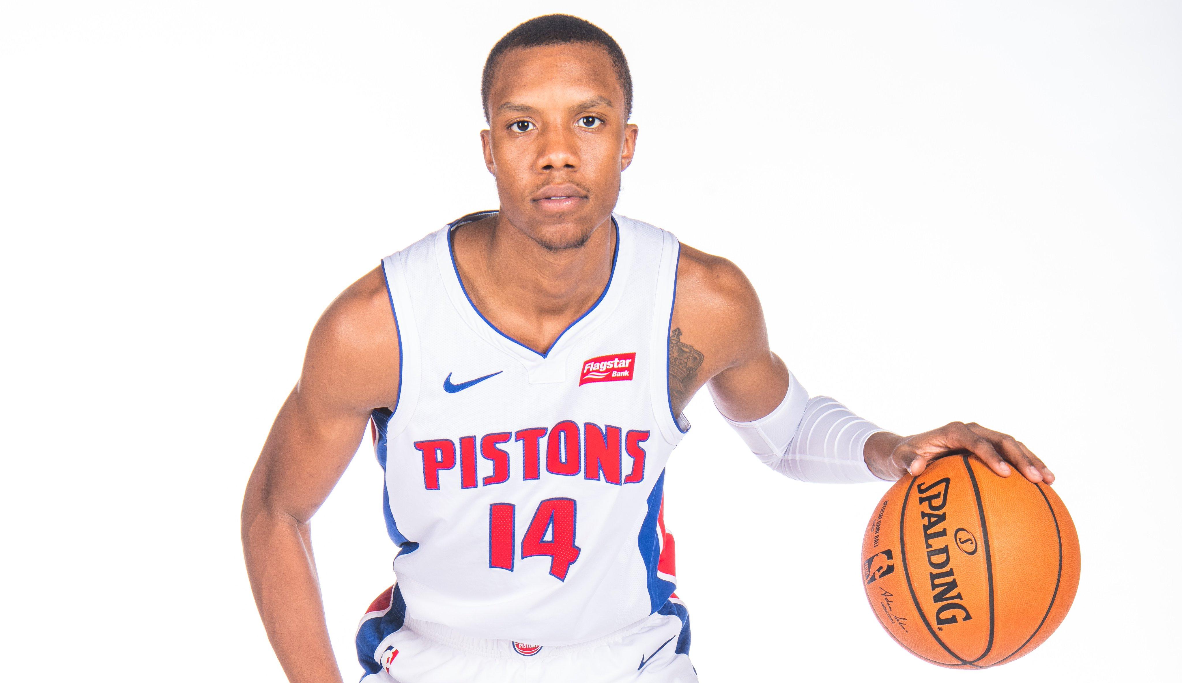 NBA官方祝活塞球员路易斯-金21岁生日快乐