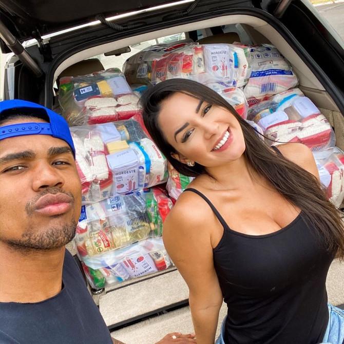 有爱心!D-科斯塔和女友伸援手,免费为穷人送物资