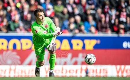 杜塞尔多夫官方:前拜仁门将伦辛将在赛季末脱离
