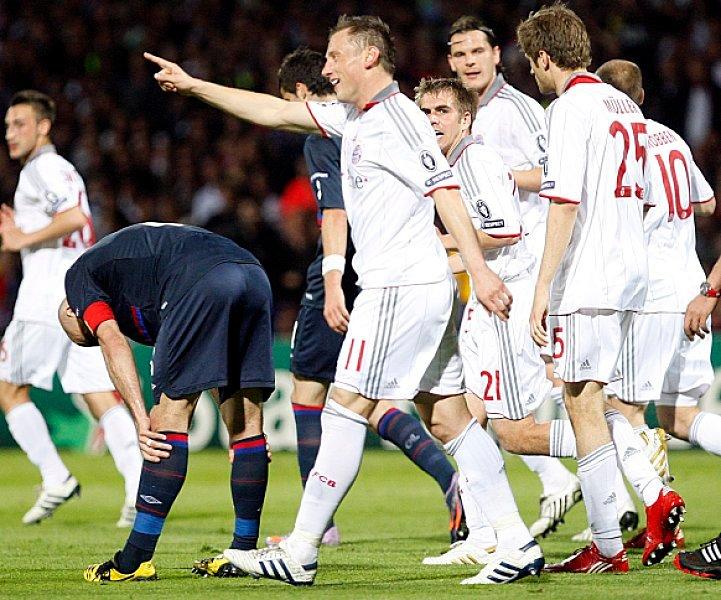 踢球者:10年前的今日,奥利奇戴帽协助拜仁杀进欧冠决赛