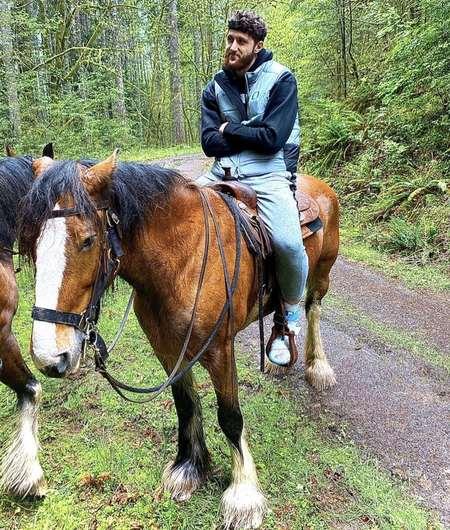 努尔基奇与怀特塞德在停赛期间来了一次秘密外出野游