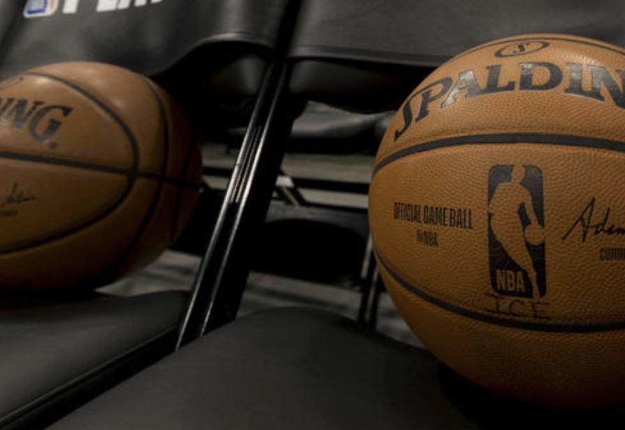 NBA正商讨将新赛季的揭幕战推迟至12月