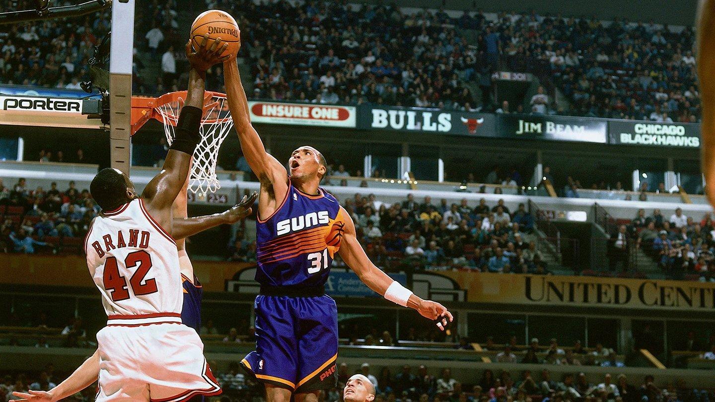 今天是前NBA球员肖恩-马里昂的42岁生日