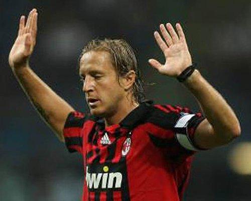 安布:我永远记得07欧冠3-0战胜曼联,那是生涯最美时刻
