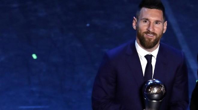 马卡报:受疫情影响,今年世界足球先生评选将取消