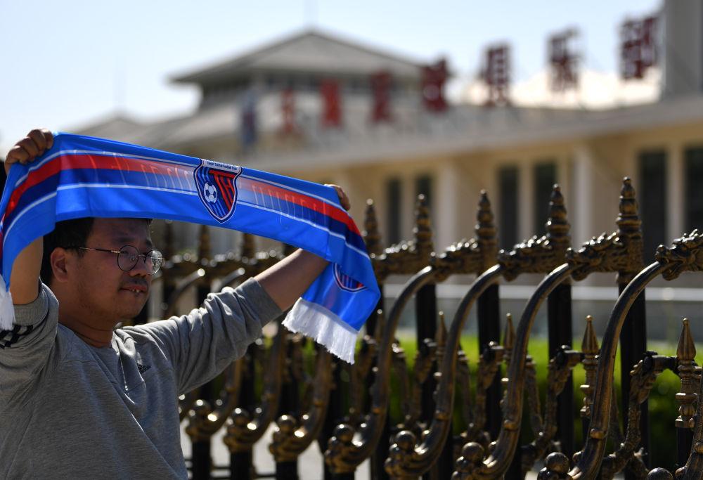 """新华社关注""""天海之死"""":一个当令中国足球警觉的悲剧"""