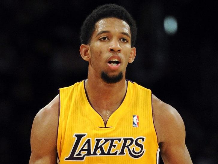 因受到别名女子控告,前NBA球员达柳斯-莫里斯上月被捕