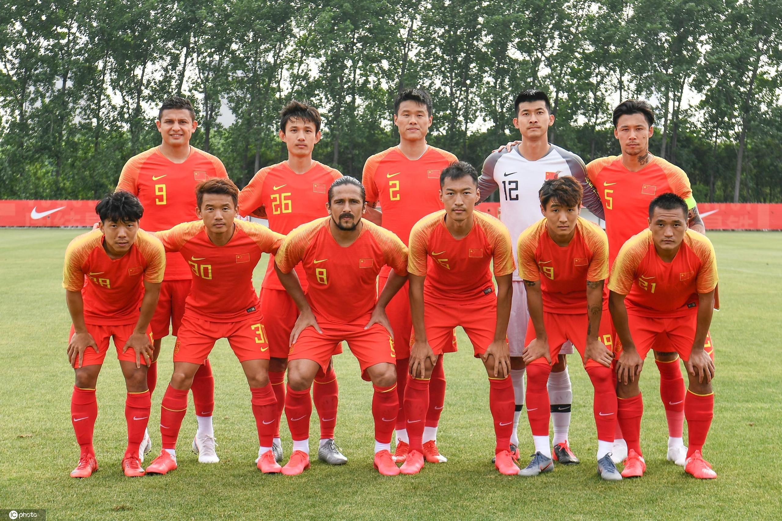 热身赛:洛国富伤退谭龙梅开二度,国足4-1上海上港