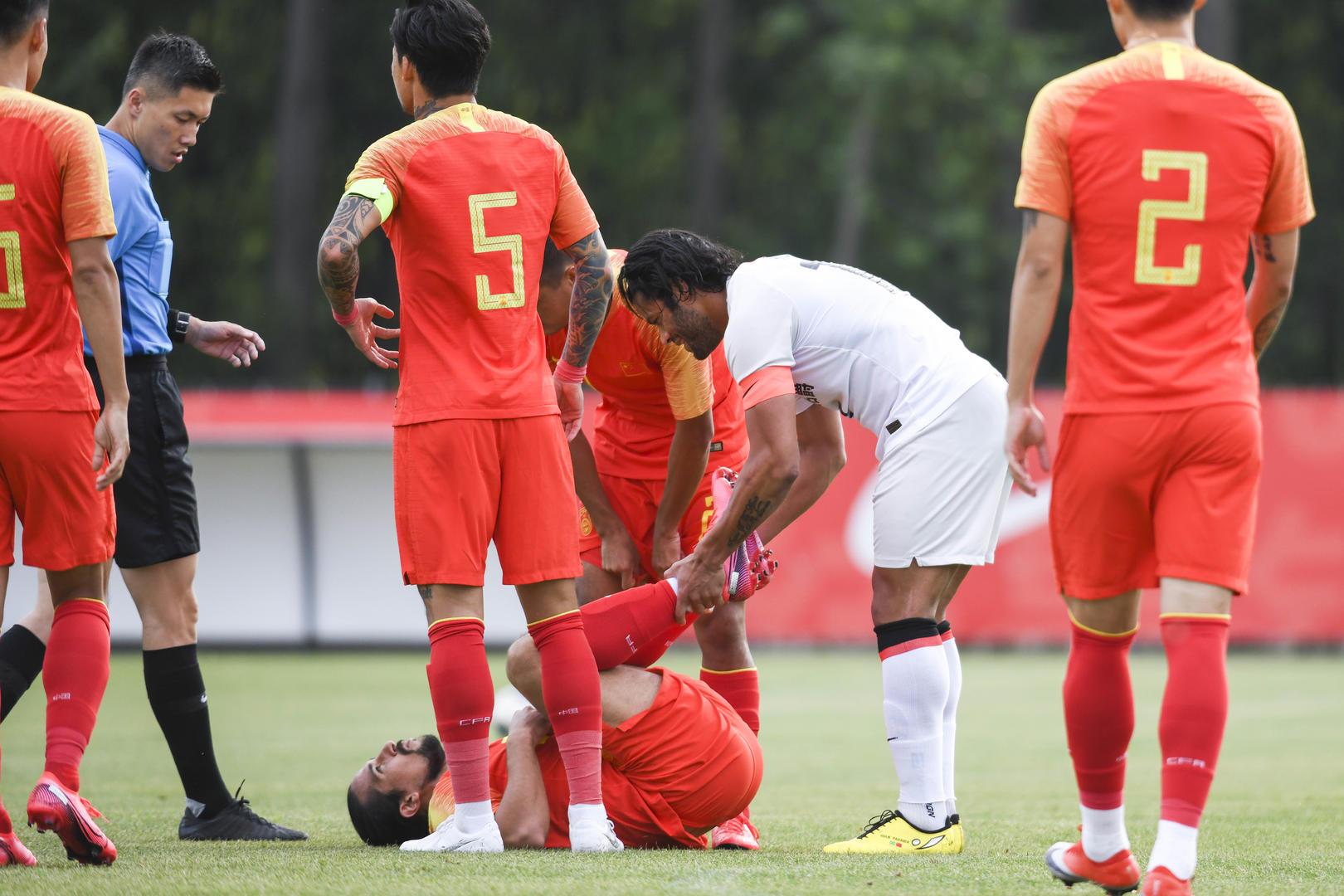 前全兴队医分析洛国富受伤原因:体重暴涨让球员容易受伤