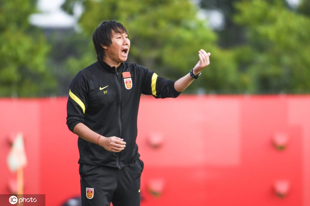 津媒:李铁延续里皮足球理念,433阵型强调各位置责任