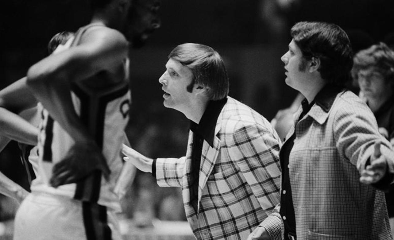 45年前的今天,传奇解说胡比-布朗执教肯塔基上校队夺冠