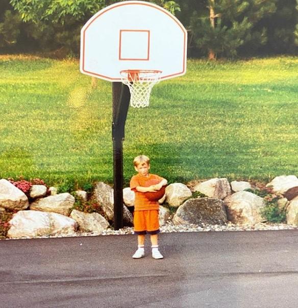 乔恩-洛伊尔宣布退役:篮球是我这一生中最美好的东西