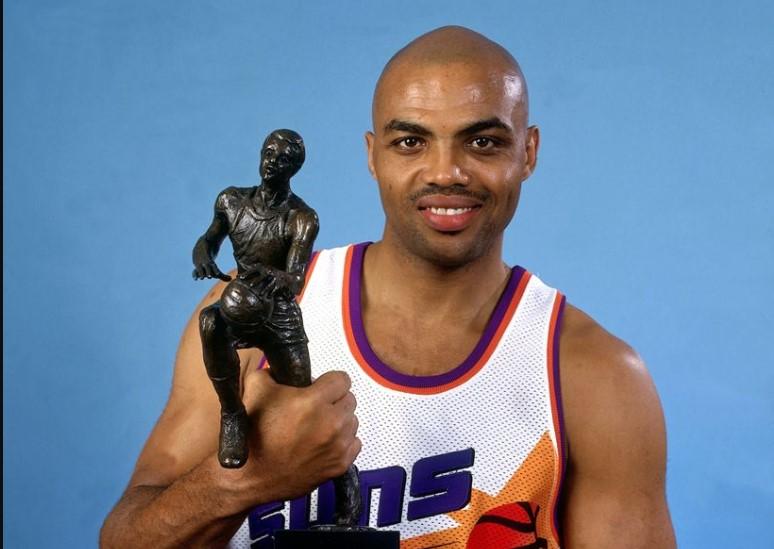 1993年的今天,查尔斯-巴克利当选常规赛MVP
