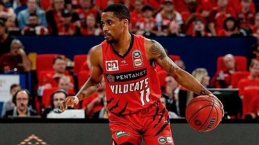 澳大利亚篮球联赛MVP布赖斯-科顿与珀斯野猫队续约三年