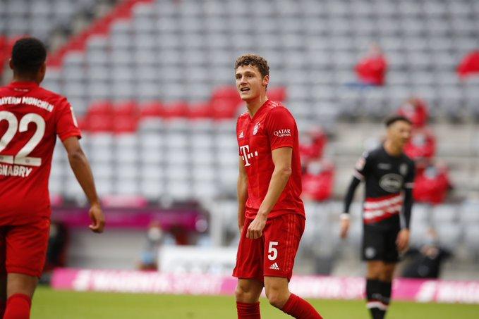 GIF:连造两球!帕瓦尔头槌建功,拜仁慕尼黑扩大比分