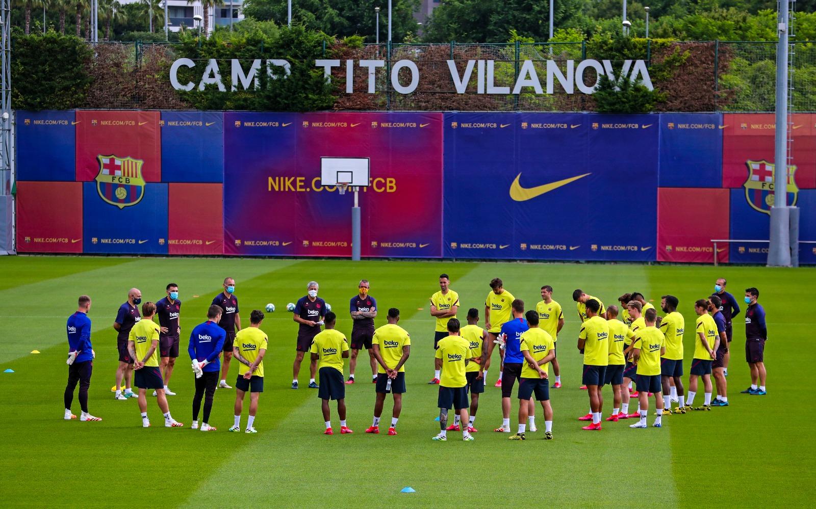 巴萨开始复训后首次合练,乌姆蒂蒂时隔3周回归训练