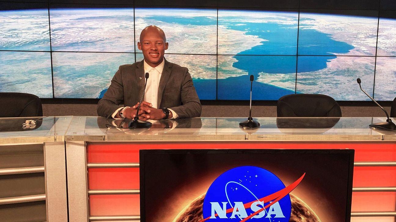 美洲虎四分卫多布斯参与NASA载人飞船发射准备