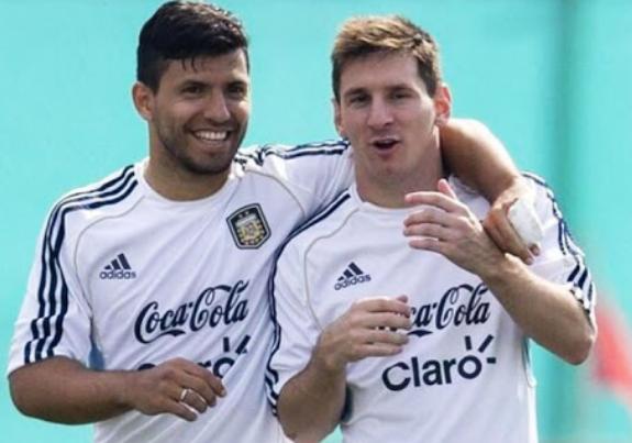 战力如何?曼晚评阿圭罗队友最佳十一人:丁丁梅西在列