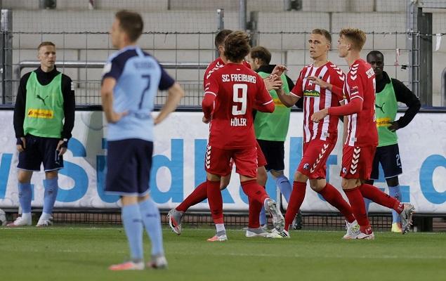 彼得森破门致胜,弗赖堡1-0十人门兴