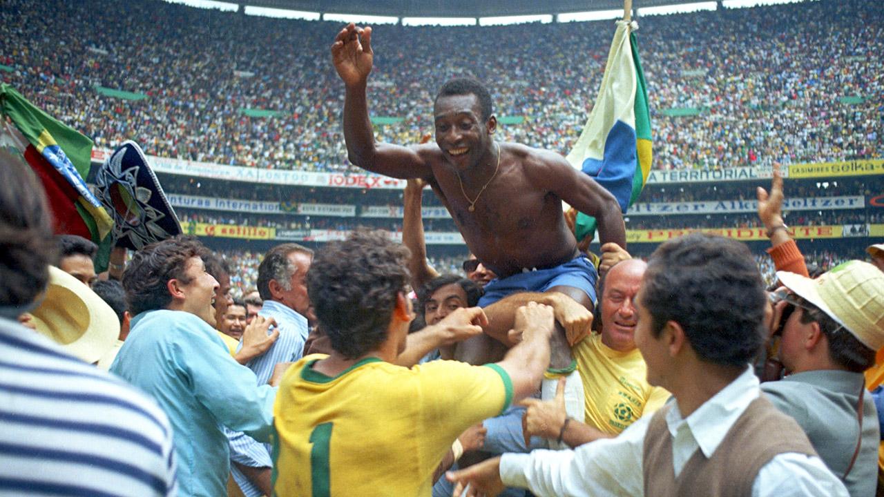 球王加冕!50年前的今天贝利和巴西队第3次夺得世界杯