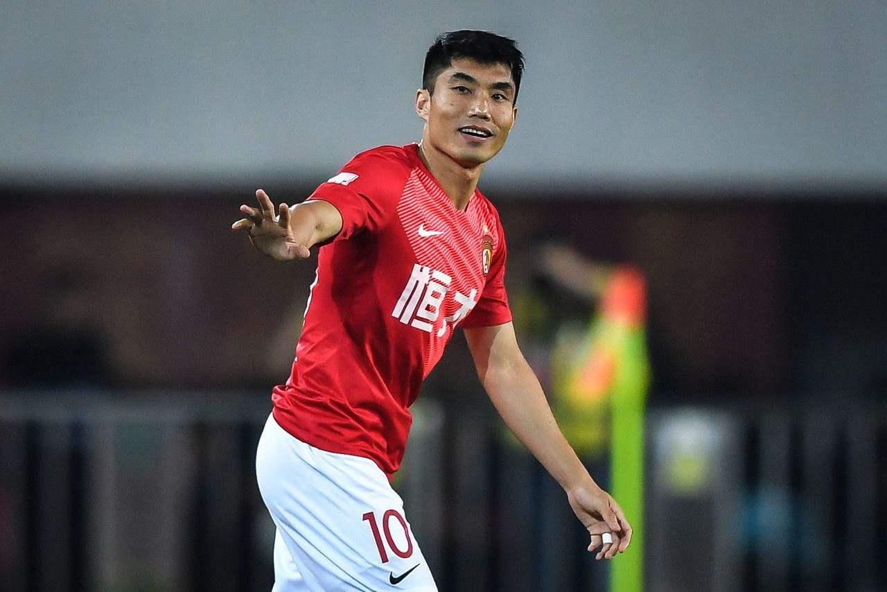 记者:郑智不过是多了个助理教练身份,比赛还会继续踢