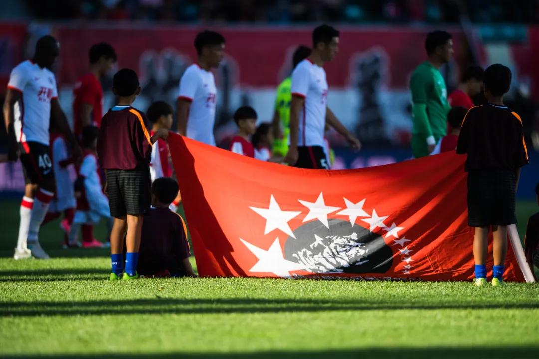 足球报:原辽足球员仅3人与新东家签约,半数球员恐失业