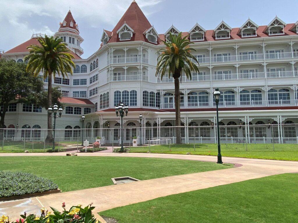 迪士尼世界迎接NBA酒店周围添装防护网,厉格阻隔措施