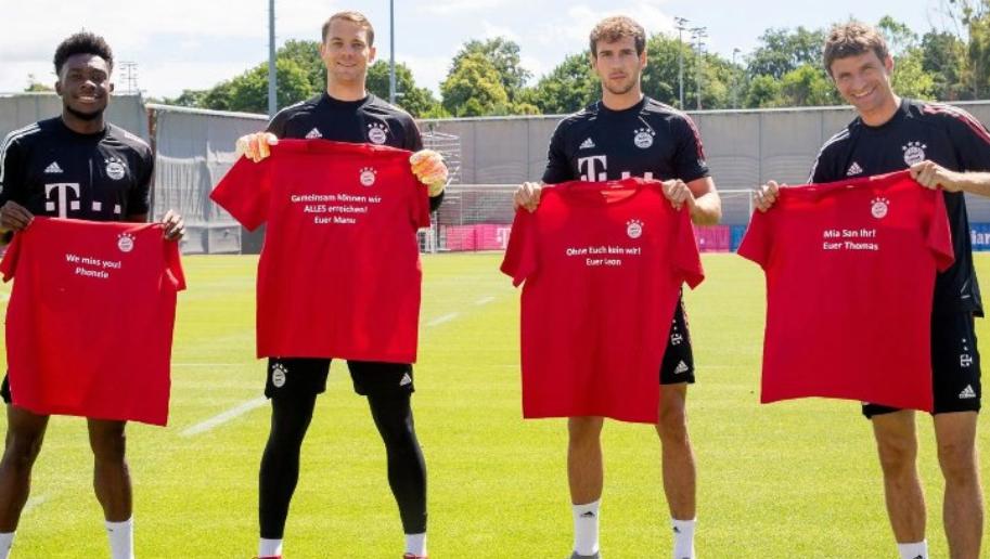 拜仁球员展示特制T恤感谢球迷:我们一起可以赢得一切!