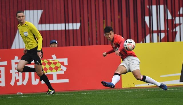 热身赛:吕文君两球胡尔克李圣龙破门,上港4-0昆山