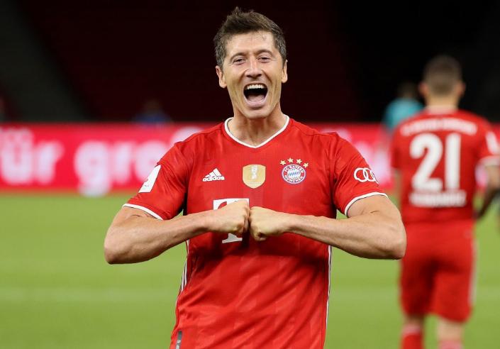 大场面先生!莱万6次参加德国杯决赛,打进8球