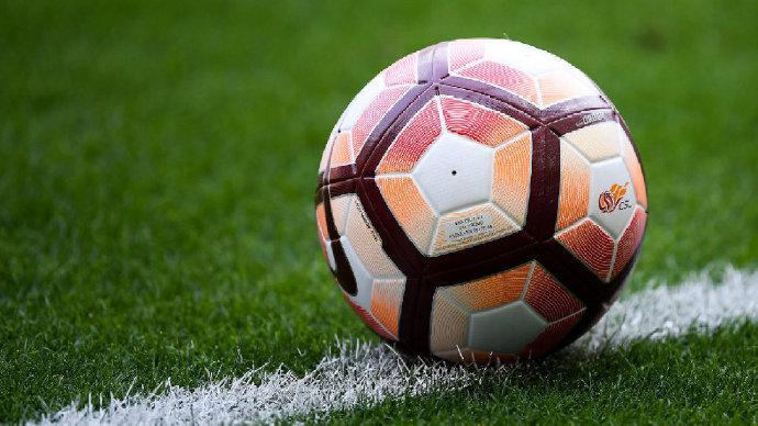 足球报:富力、苏宁、重庆等8家俱乐部赞同取消降级