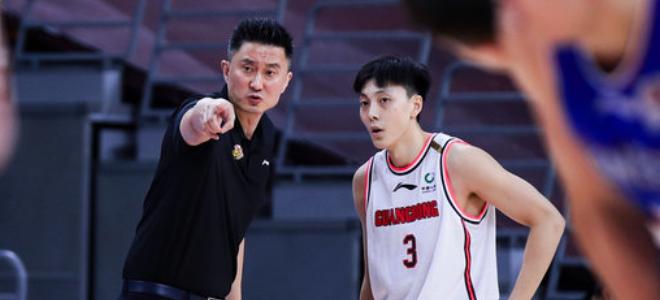 胡明轩:教练一直鼓励我们,每个人做好自己保持自信