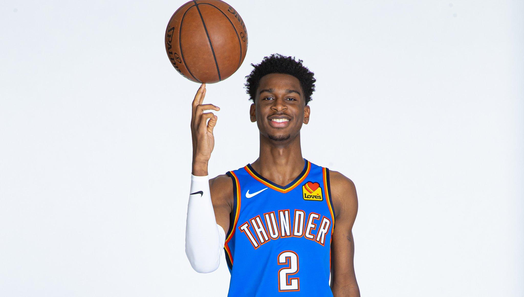 NBA官推祝谢伊-吉尔杰斯-亚历山大22岁生日快乐